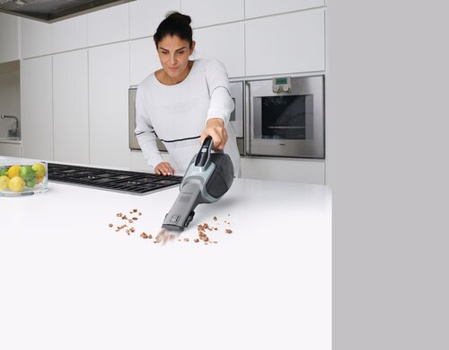 Black and Decker - 216Wh Lithiumion dustbuster with Cyclonic Action - DVJ320JB